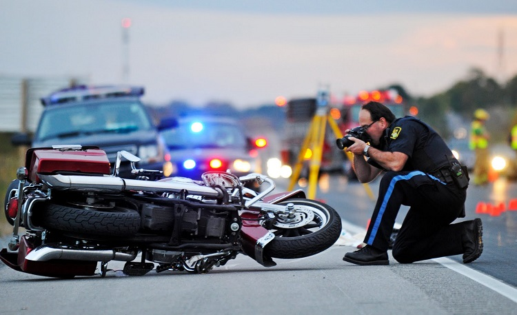 How to Hire a Qualified Motorcycle Accident Lawyer – The Source of Legal  Solution and Information